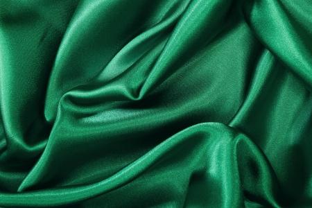 magnifique crepe satin polyester vert sapin. Black Bedroom Furniture Sets. Home Design Ideas