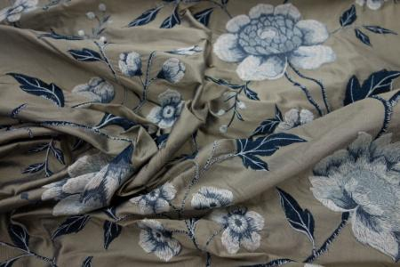 tissus pour faire des rideaux recouvrir vos canap s et. Black Bedroom Furniture Sets. Home Design Ideas